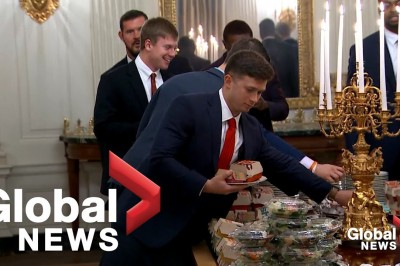 Trump serves fast food to White House Guests !