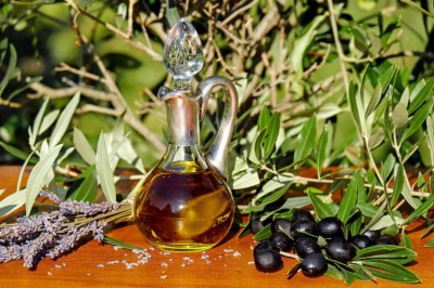 The Endless Skin Care Benefits of Tamanu Oil Are Ancient, Traditional and Unbelieveably Fabulous