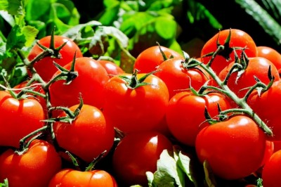 A Natural Acne Remedy - Tomatoes